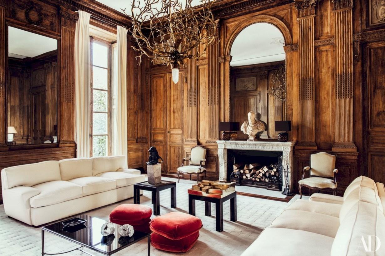Roman-inspired, glamorous living room