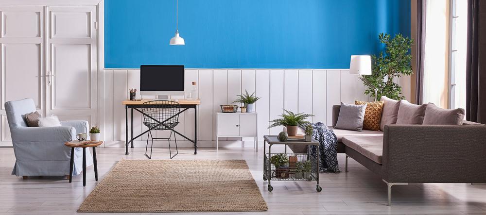 Comprehensive blue living room