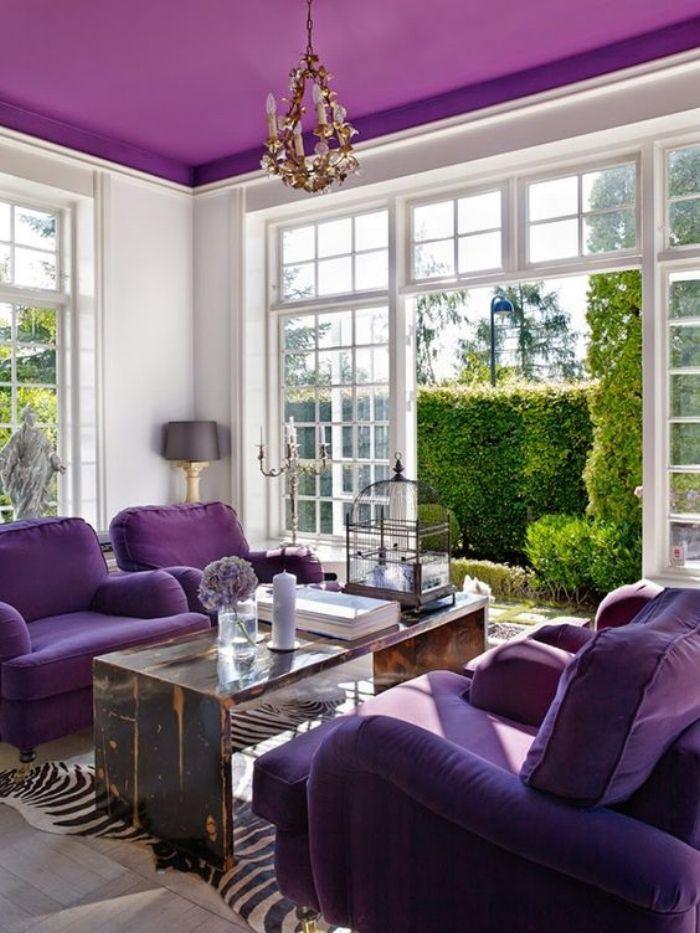 Lively, elegant living room.