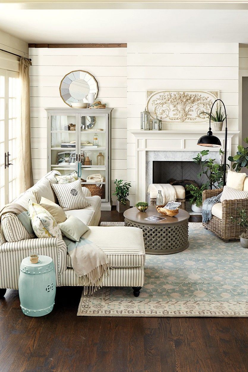 Relaxed French country house living room
