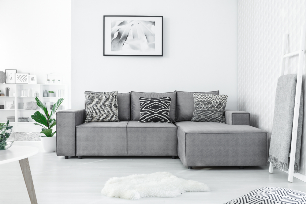 Square chaise longue in the mini living room
