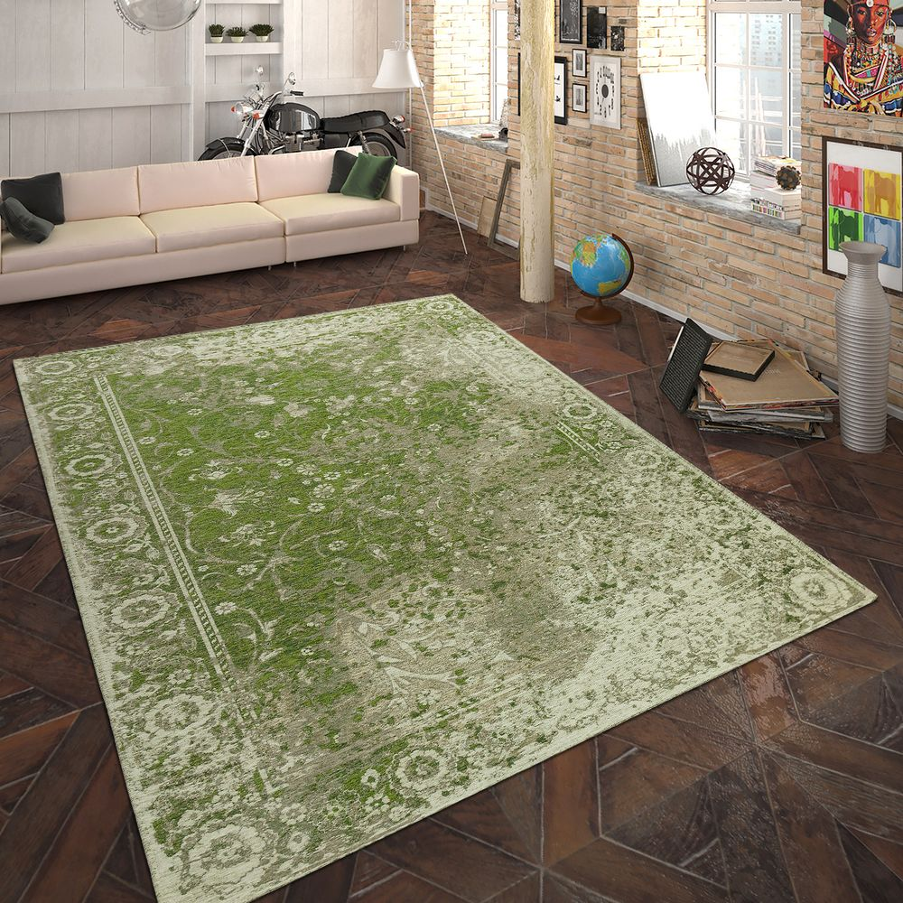 Living room with green carpet.  Source: Rug24.co.uk