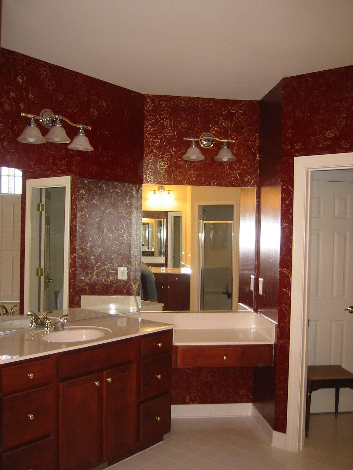 Amazing Burgundian bathroom