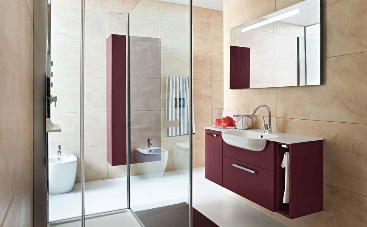 Minimalist burgundy colored bathroom