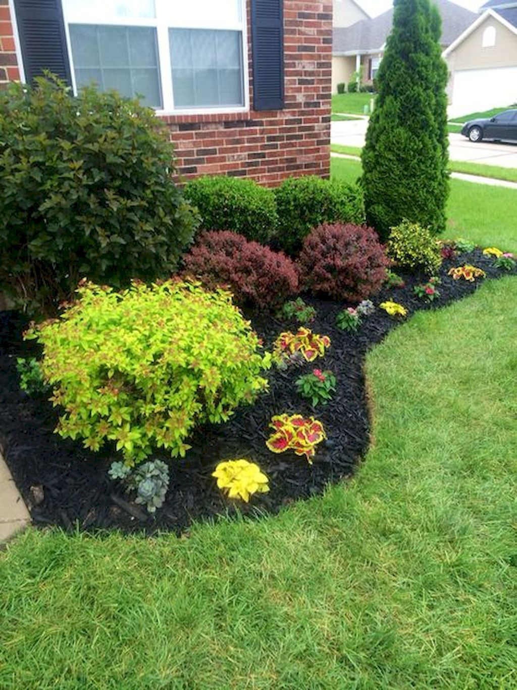 25 Beautiful Front Yard Landscaping Ideas on a Budget (7) YHJLPBL
