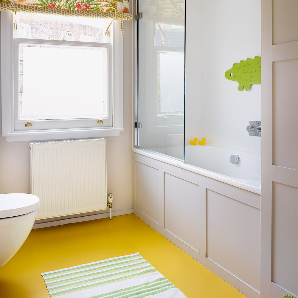 Simple bathroom cladding