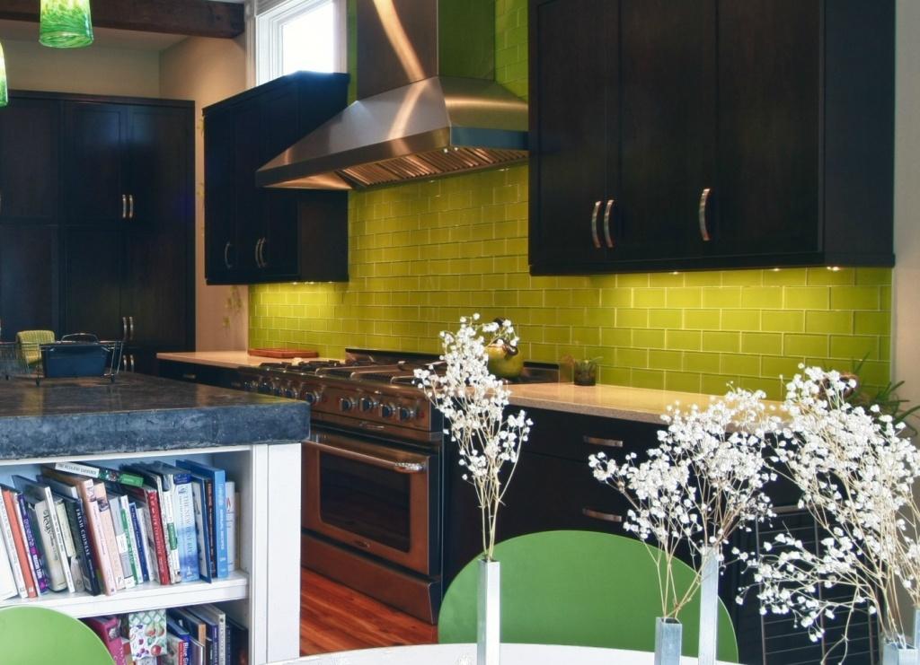 Dramatic, yellow kitchen splashback