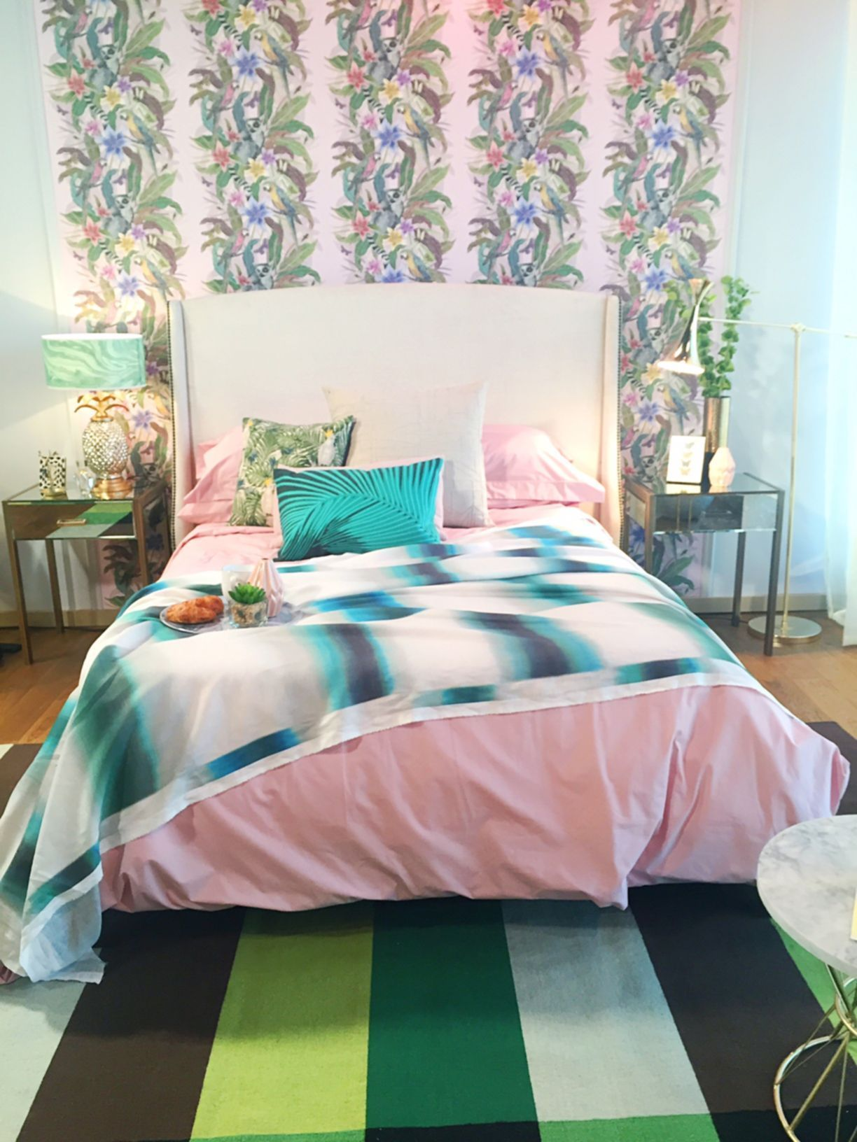 Chic tropical bedroom
