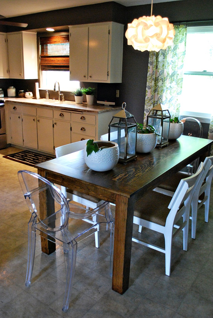 Attractive kitchen table