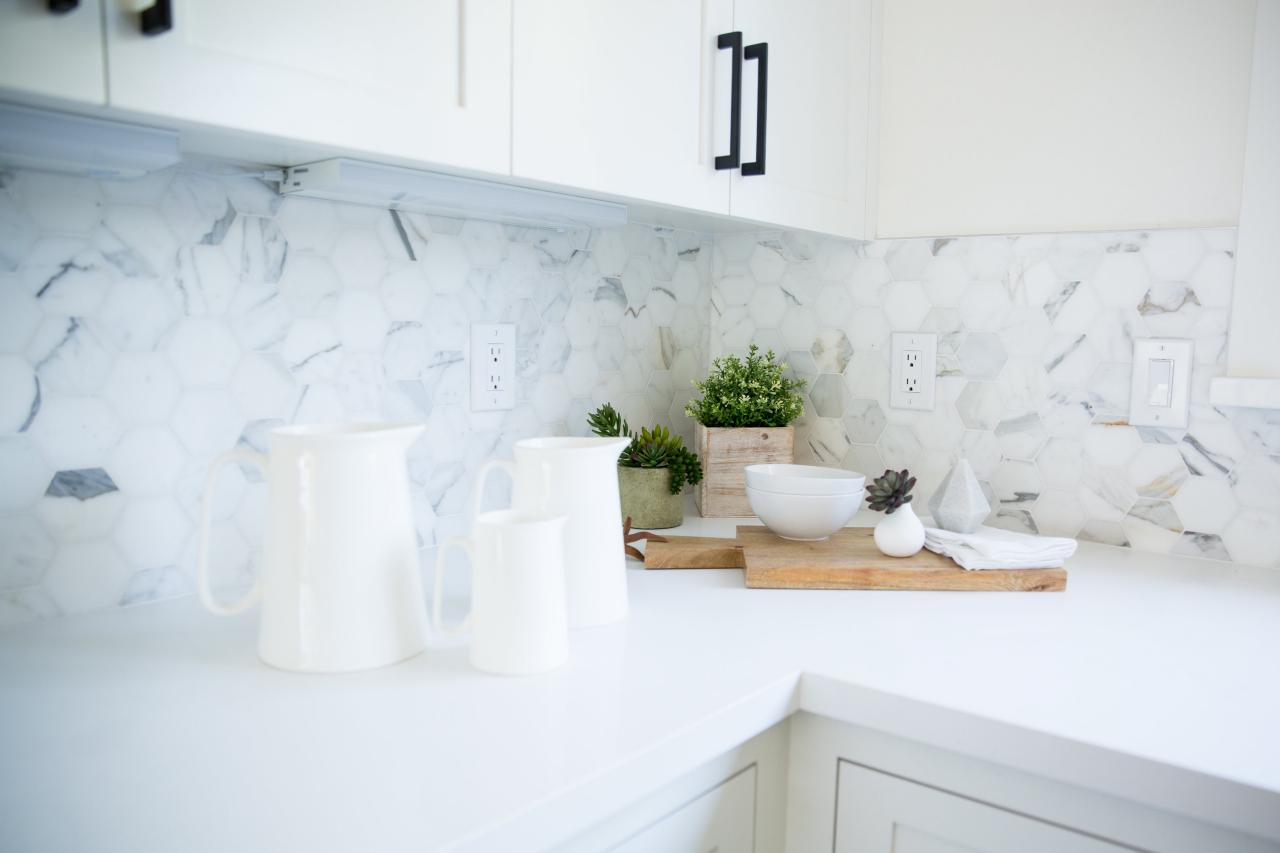 Unique kitchen back wall made of marble