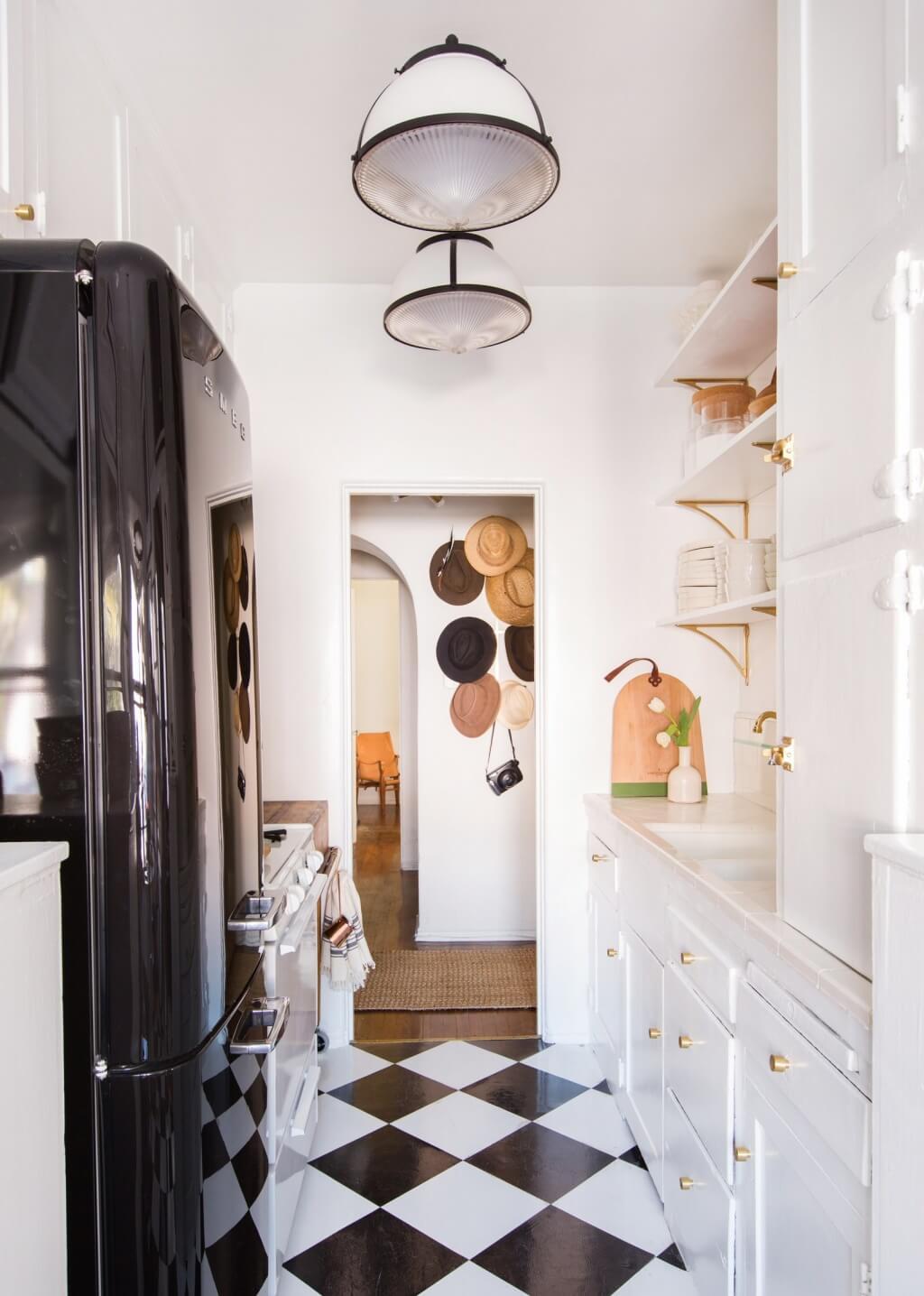 Smart pantry