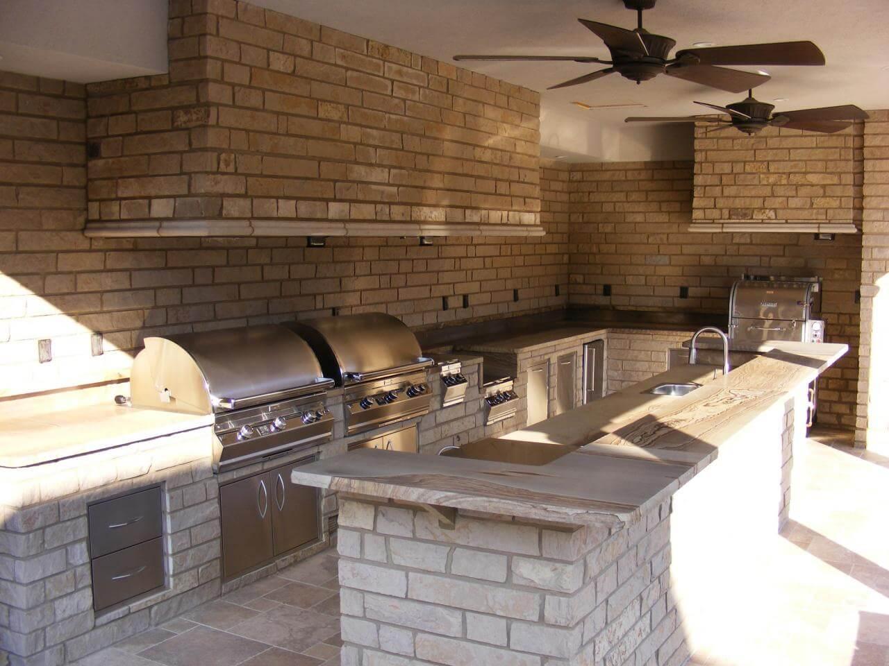 Cozy kitchen island outdoors
