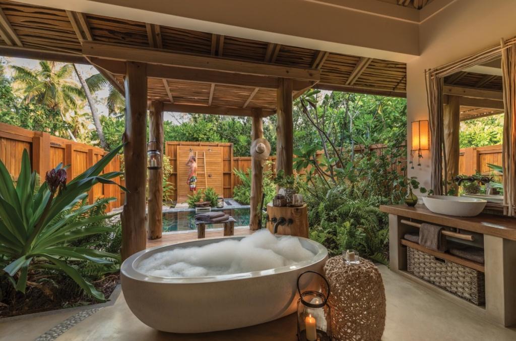Luxurious outdoor bathroom