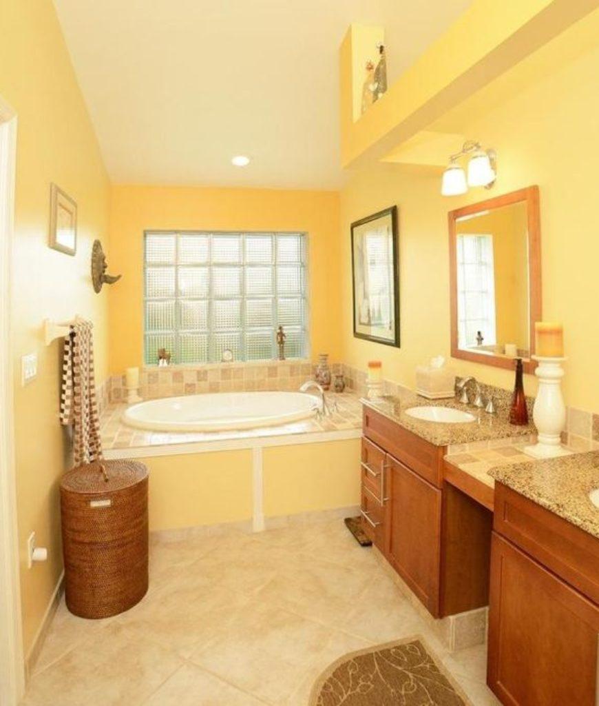 Sunny yellow bathroom
