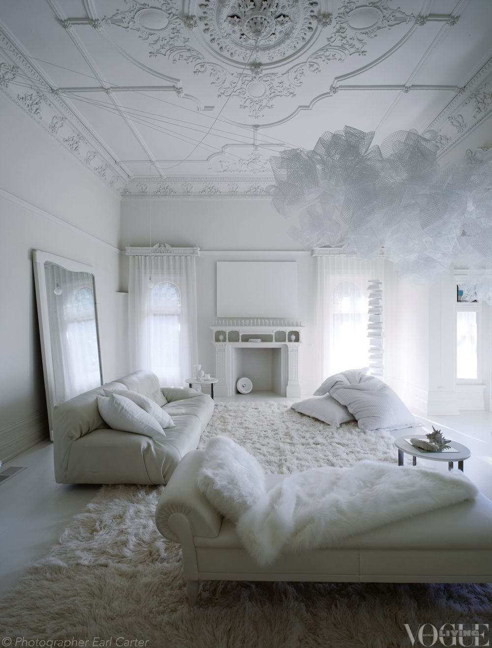 all white rooms an all white room in melbourneu0027's red courtyard villa.  from u0027holding courtu0027, GHRNCRF