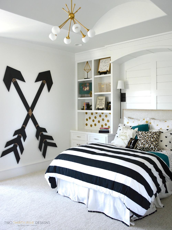 Bedroom ideas for teenage girls Pottery barn teenage room with wooden wall arrows RLFABAM