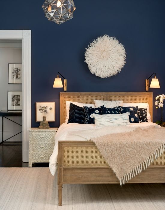 Bedroom colors from deep navy to soft gray, those are the colors / theexchange / says DXQMSFE