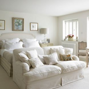 Bedroom Sofa Bedroom - Large carpeted farmhouse master bedroom in Wiltshire with LRYNFAT