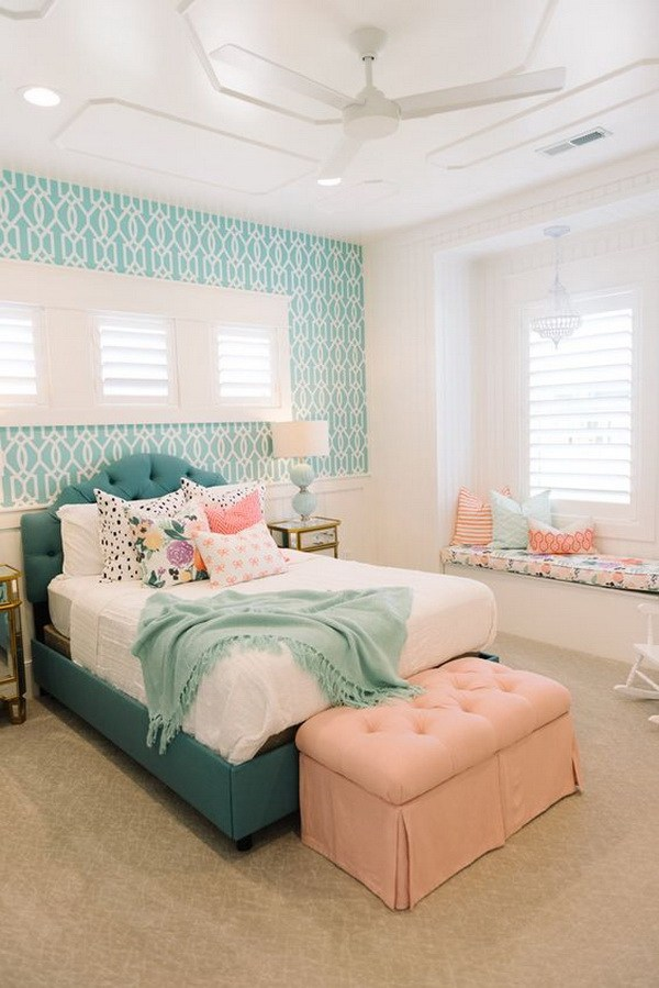 Girls bedroom coral, turquoise and cream white ... all teenagers favorite colors, JZPTELH