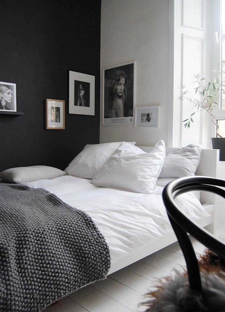 black & white bedrooms 20 beautiful black & white bedrooms |  Apartment therapy MVWCRKE