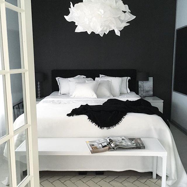 Black and white bedroom Black and white bedroom more BXDTGGM