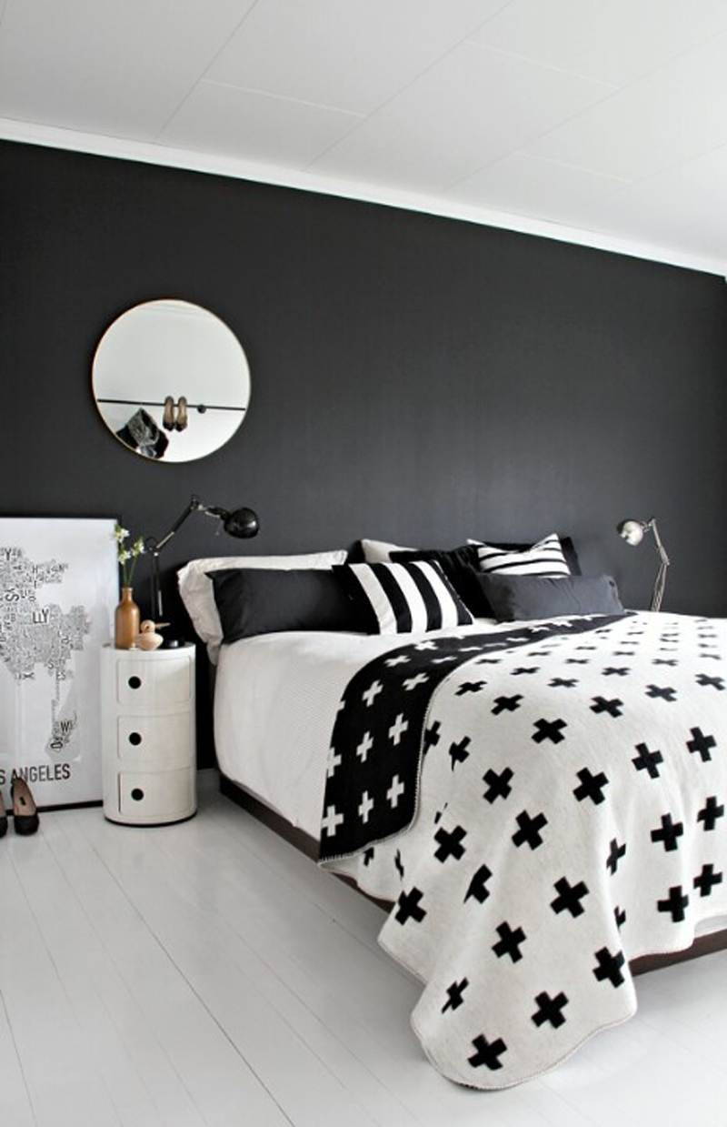 Black and white bedroom view in the XQUZPDF gallery