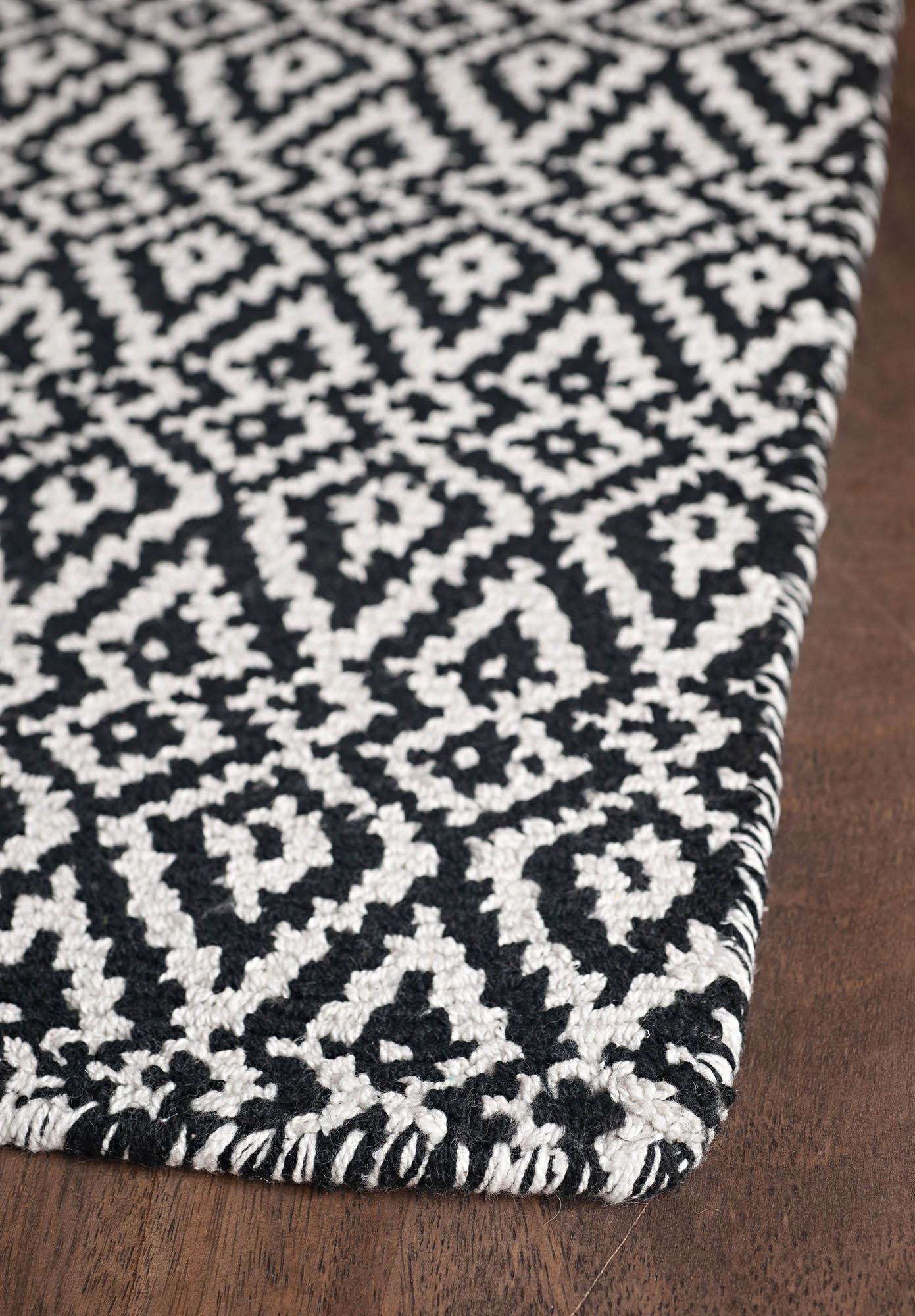 black and white carpets $ 4 ... NAAQIJO