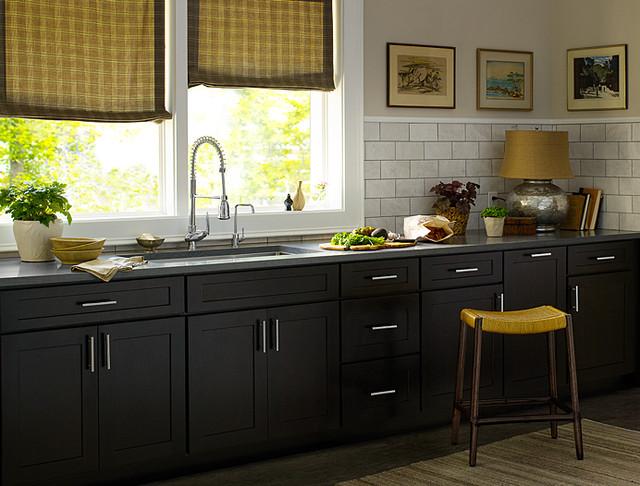 black kitchen cabinets    Dayton door style    cliqstudios modern kitchen GLZQIKN