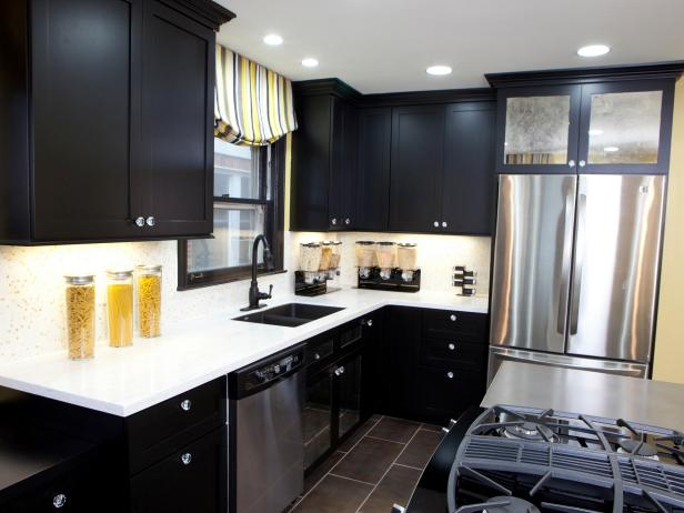 black kitchen cabinets RWKISXT