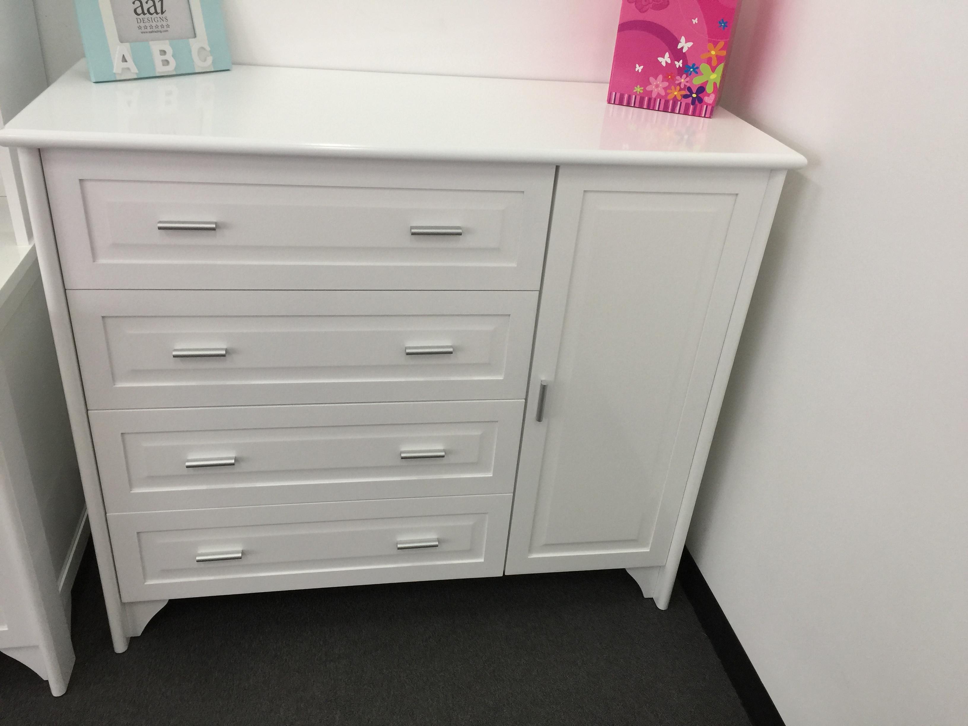 dresser jordon u201cnursery chestu201d dresser with 4 drawers + cabinet - white TCCWVXL