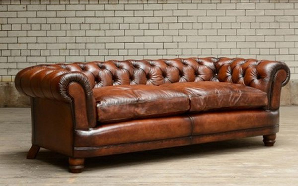 Chesterfield sofa with contrast upholstery Chatsworth Chesterfield large sofa    Contents XIOTUYO