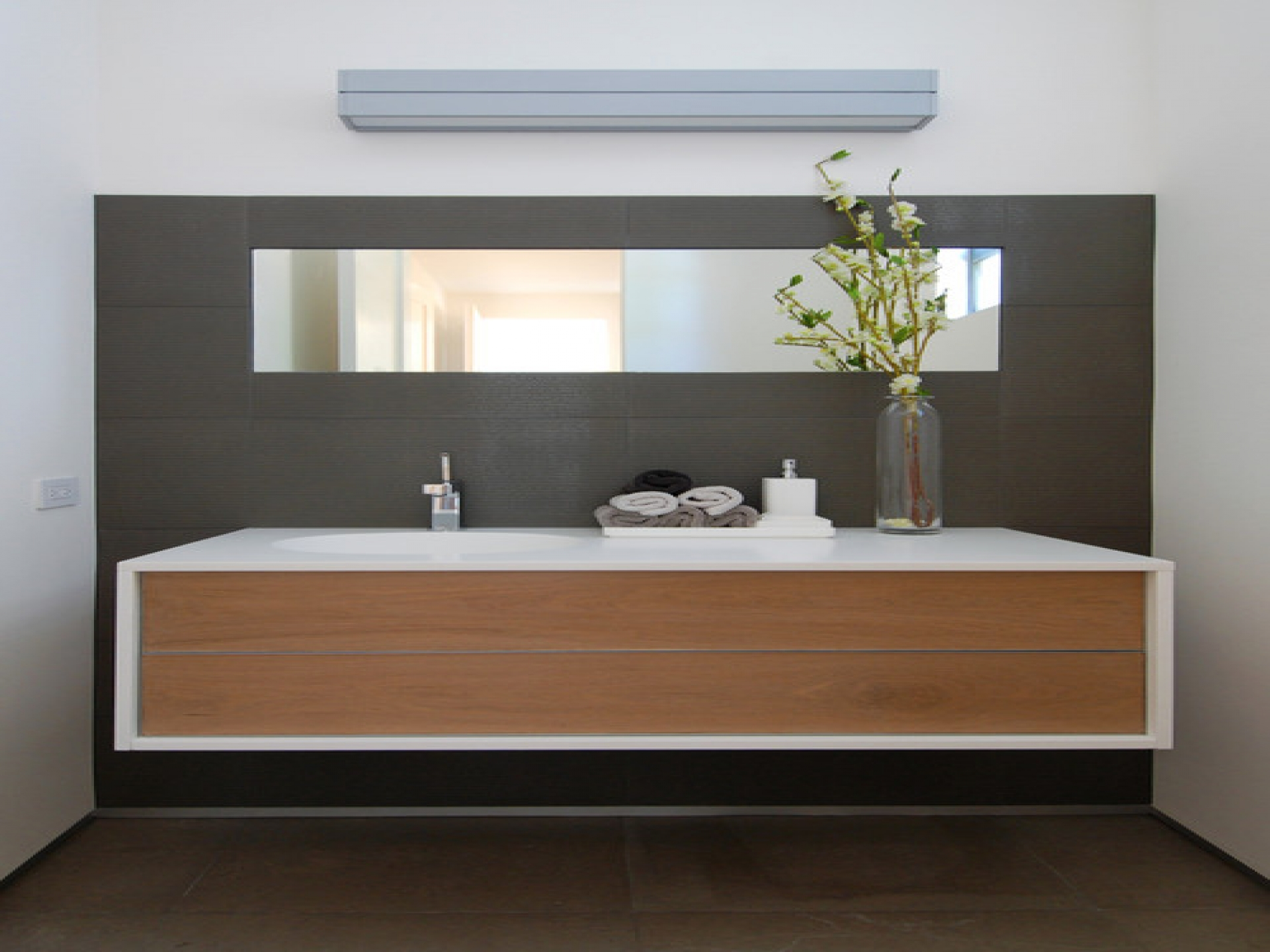 great bathroom washbasins top 87 great bathroom mirror double washbasin mirror made of reclaimed wood OWENWTSNW