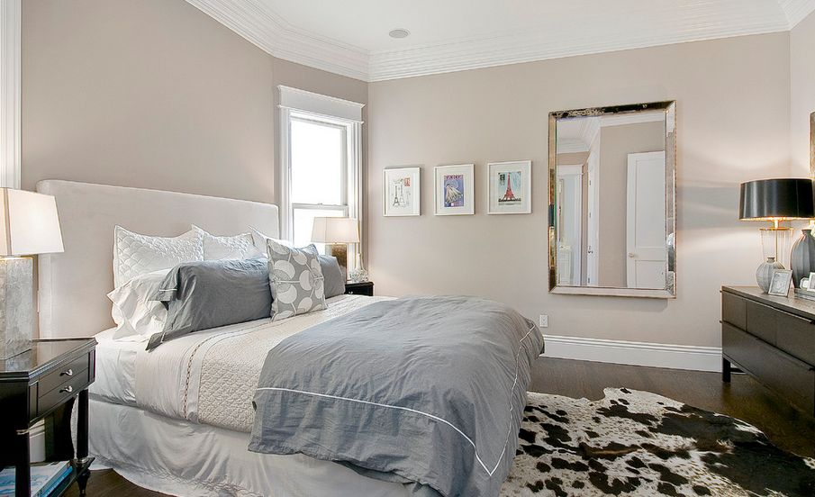 Color schemes of the bedrooms two-tone neutral.  ZZWDYGB