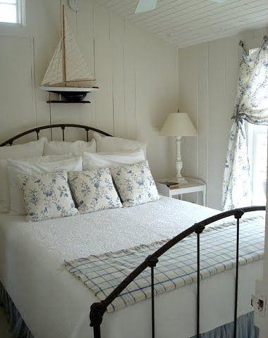 9 Cozy Coastal Beach Cottage Bedroom Design Ideas |  Beach hut.