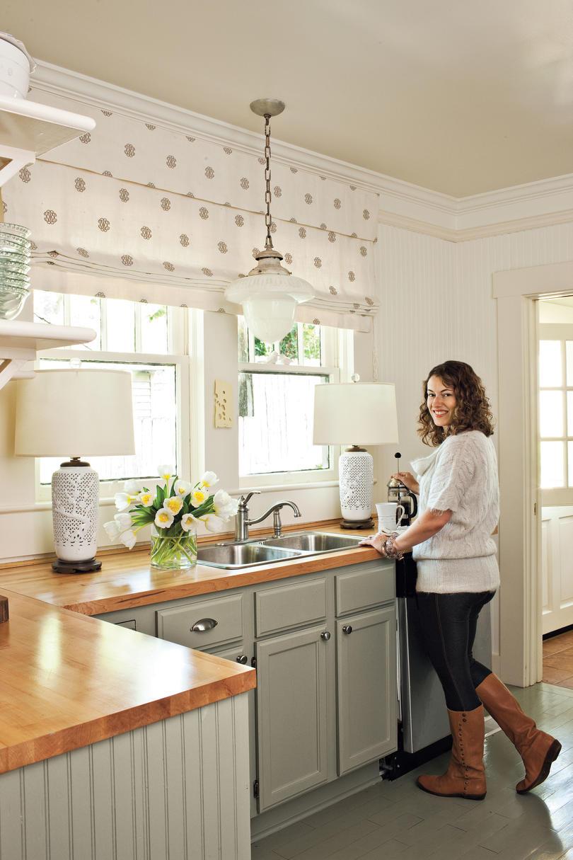 Cottage Kitchen Makeover VFOBMBB
