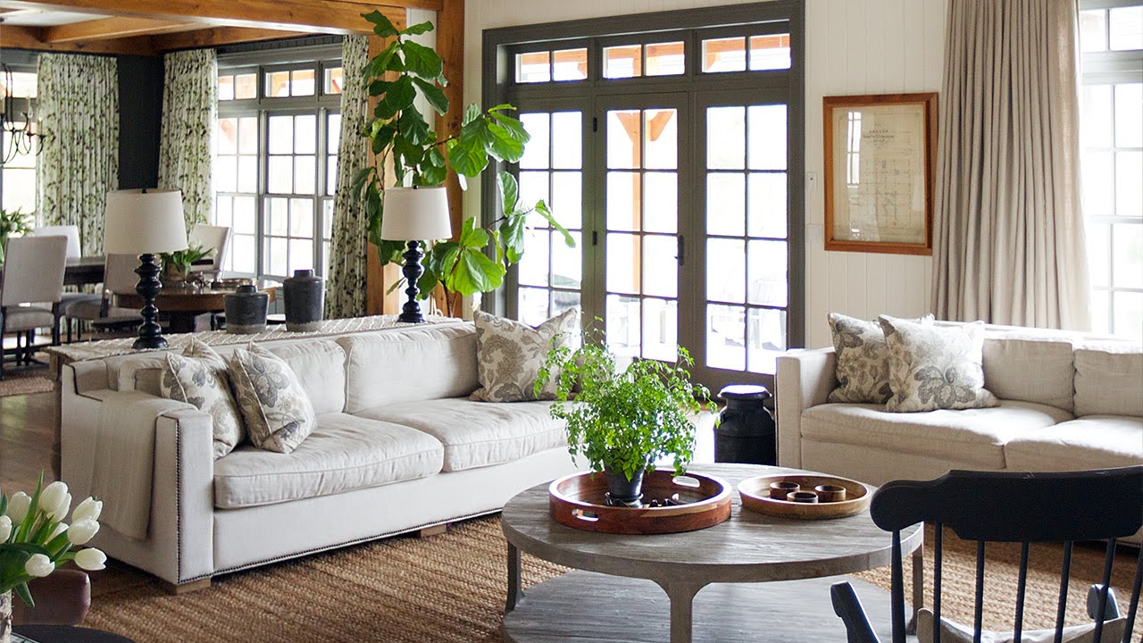 Country house decor interior design - a sophisticated country house with traditional decor - VJAVLMZ