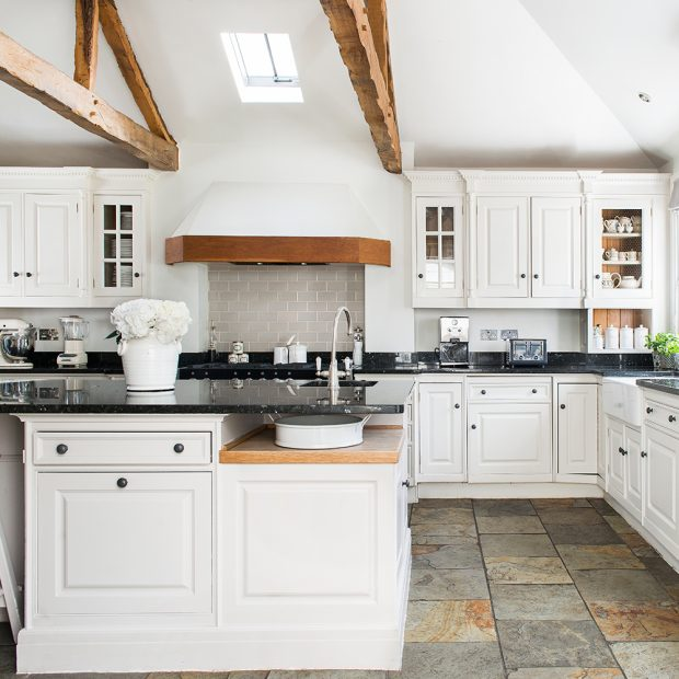 Country kitchen pictures Ideal Home Jones Daisy Adj014 11751531 620x620 for OEGBTXG