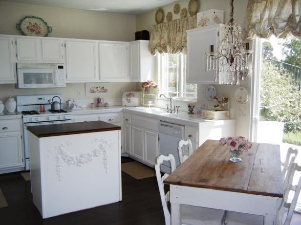 Country house kitchen rms-shantelshome_british-chic-kitchen_s4x3 YGNEEBQ