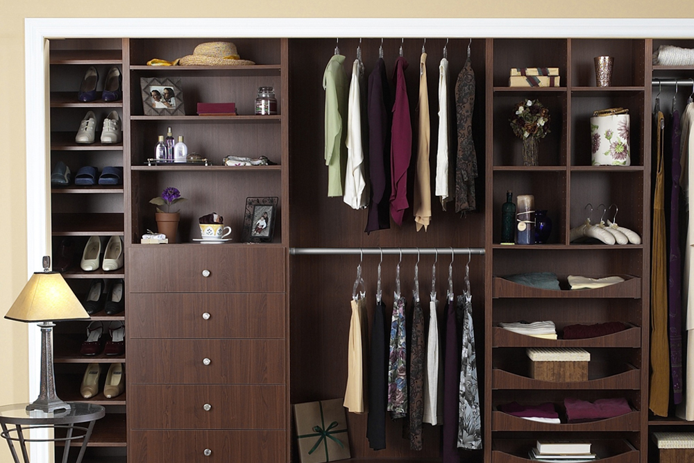 Custom-made cabinet systems Slide-in cabinet in apple chocolate with custom-made drawers NHBCMLS