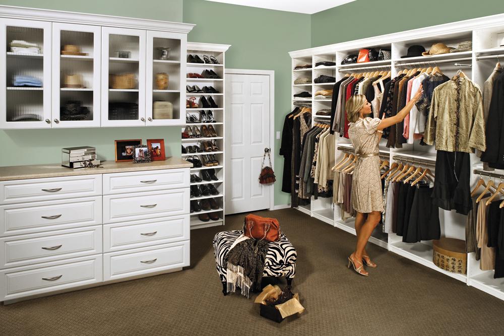Custom-made closet systems test new walk-in closets CJXAIKX