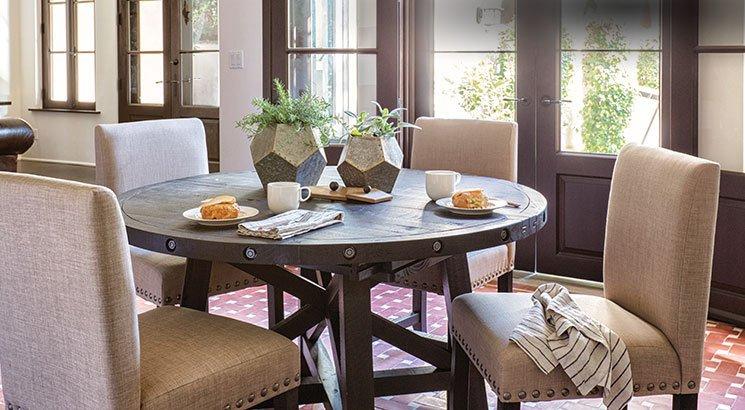 MEIUCGW dining room