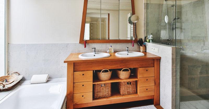 15 Beautiful Makeover Ideas for a Chic DIY Bathroom Vani