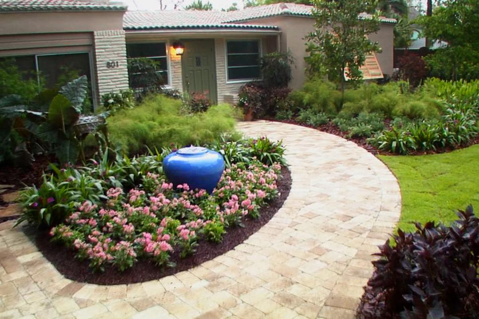Ideas for garden design in the front yard EXDQBHL