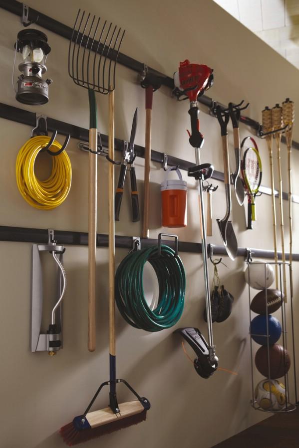 Garage Organizations Use a Fasttrack Organization System - 49 Brilliant Garage Organization Tips, JAMHFUN
