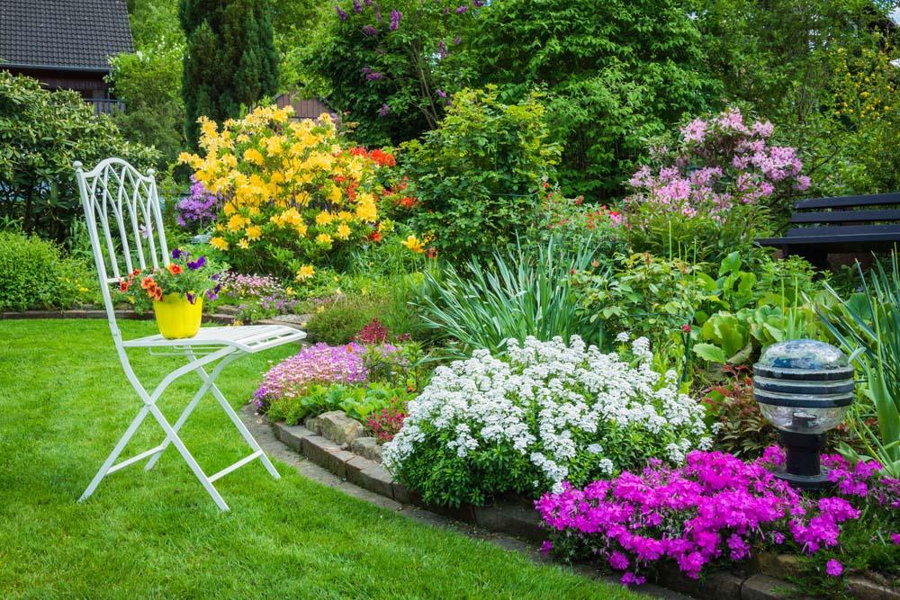 Garden design ideas thick, colorful garden MWLYJRV