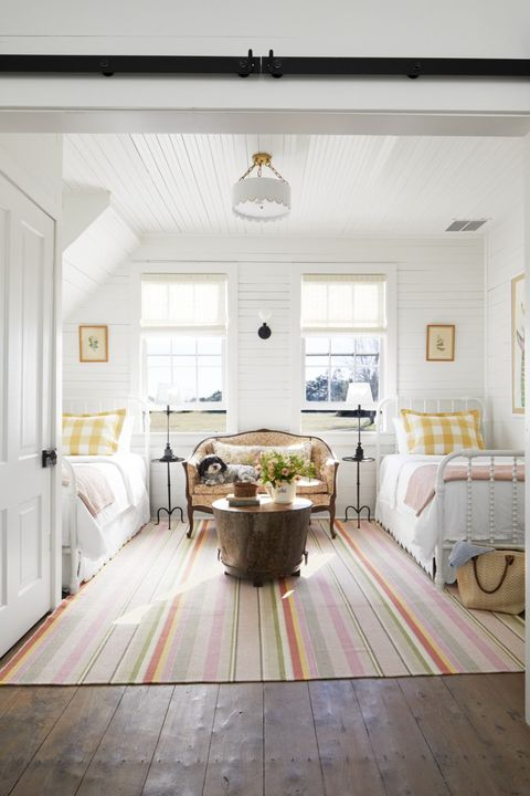 44 Best Guest Bedroom Ideas - Decor Ideas for Guest Roo