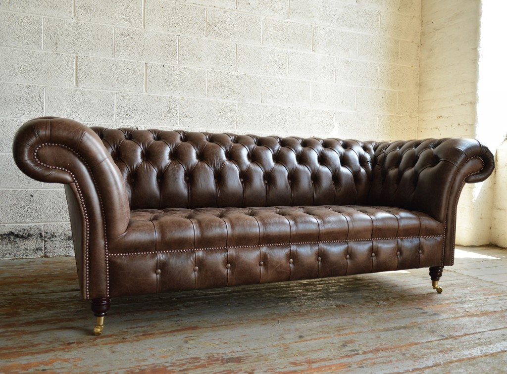 handmade traditional Chesterfield sofa in Montana leather NVWKYVM