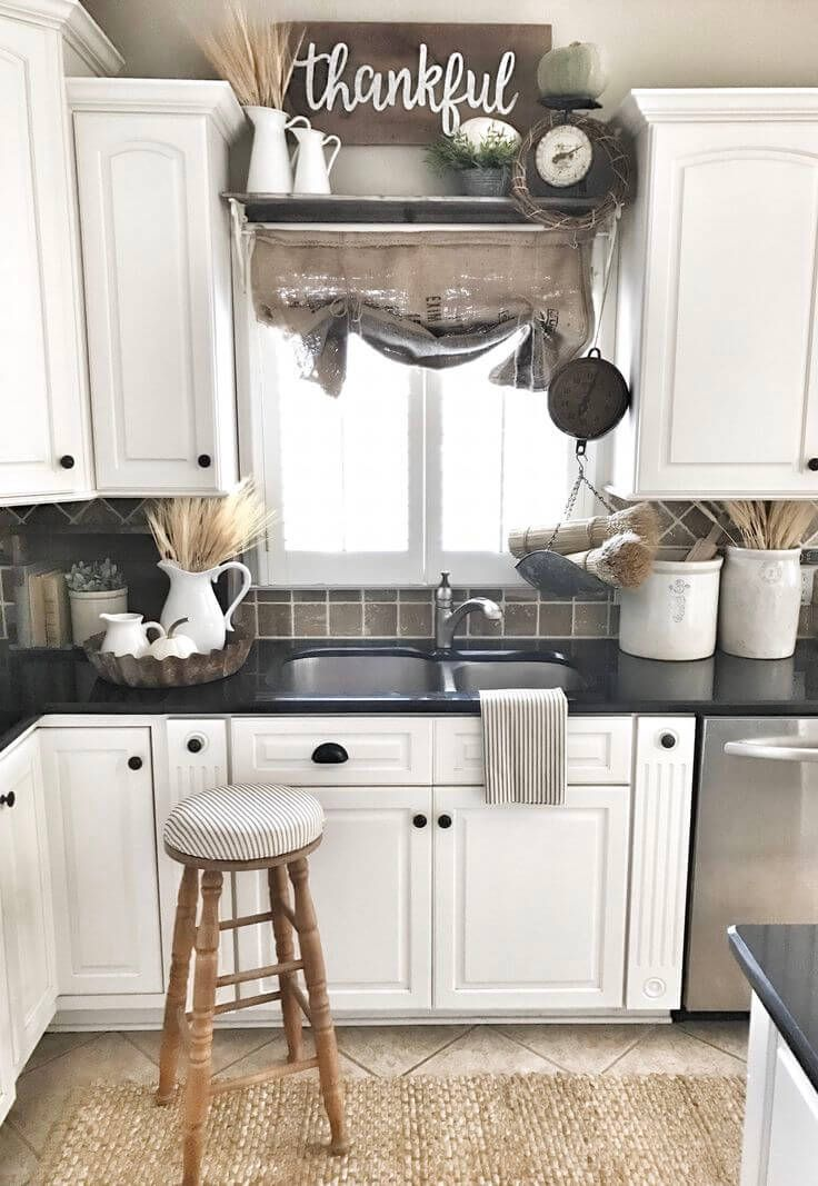 Kitchen decorating ideas bouquets of grain and woven accents OAYTCNF