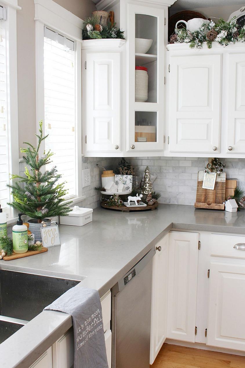 kitchen decoration ideas kitchen christmas decoration.  white kitchen in matt green for an AKPIURP