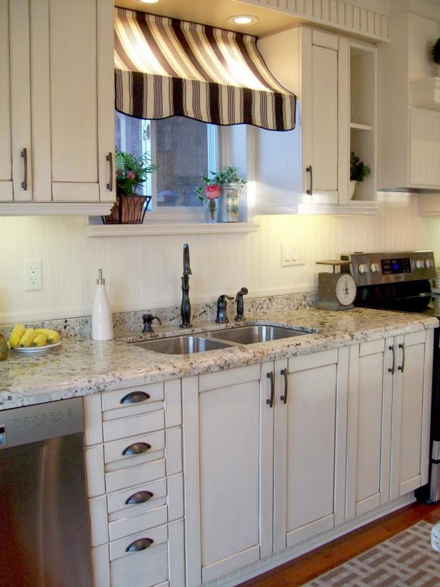 Kitchen decoration ideas rms_recapturedcharm_my_own_little_bistro_kitchen_s3x4 SYQJOAC